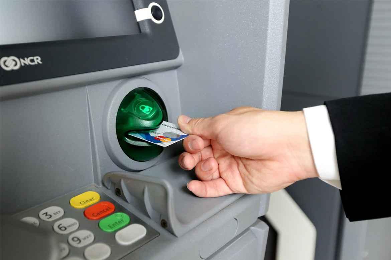 Cách kiểm tra số dư tối thiểu thẻ ATM Vietcombank