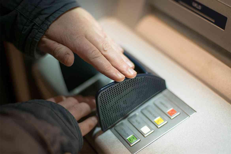 Làm thế nào khi bị mất mã PIN thẻ ATM Vietcombank?