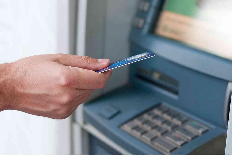 Tại sao nên đổi mã PIN thẻ ATM Vietcombank?