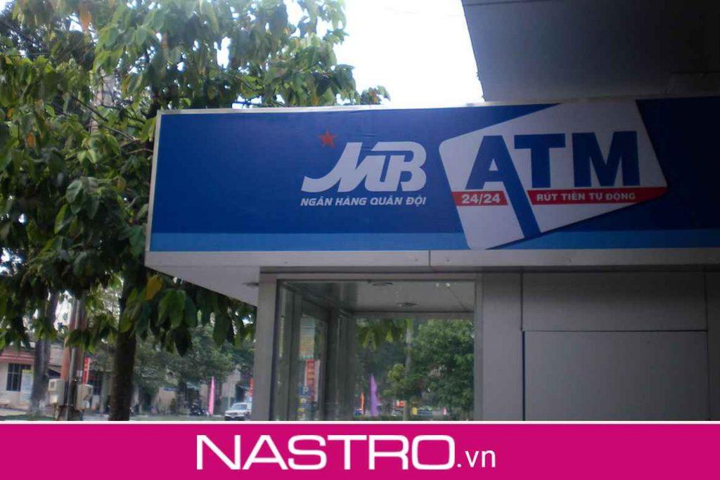 Trực tiếp tại cây ATM MBBank