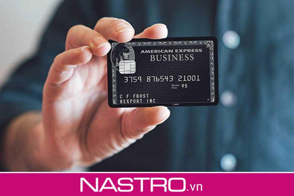Thẻ tín dụng đen là gì?